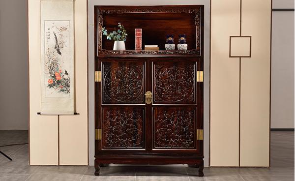 王款亮格柜黑黄檀雕花实木储物柜--苏州弘典轩古典家具有限公司