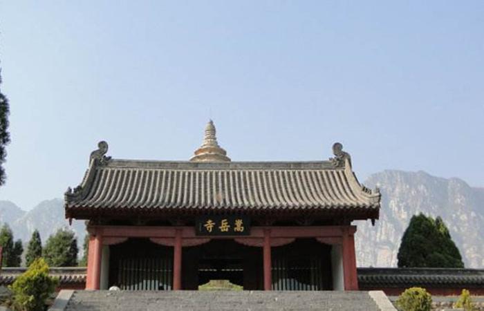 嵩岳寺塔:中国现存最早的砖塔