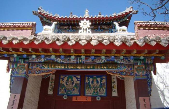 藏传佛教寺庙:【准格尔召】十年修缮后再现恢弘