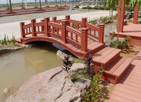 防腐木拱桥 花园景观木桥 进口防腐木小桥--上海杉尚实业有限公司