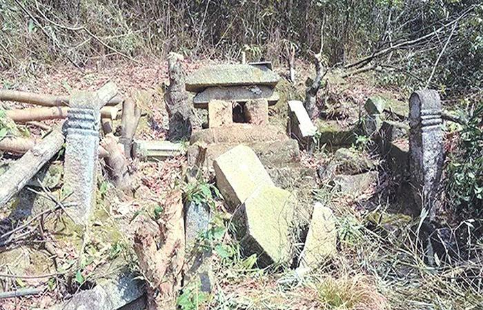 陕西破获古墓盗窃收缴文物350多件