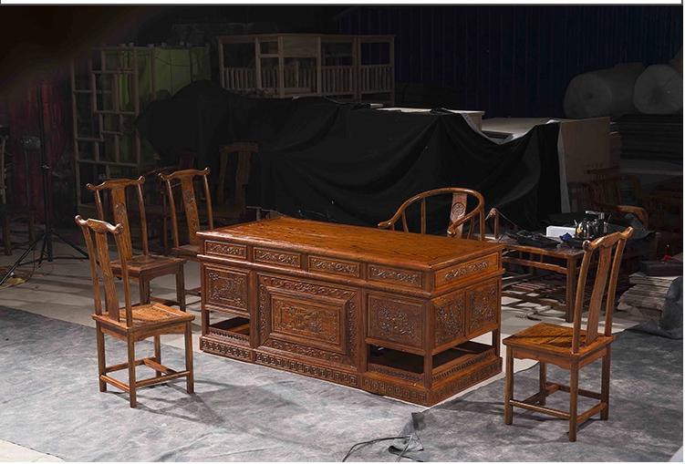 仿古榆木大班台花鸟图案办公桌组合--江西佳木康古典家具有限公司