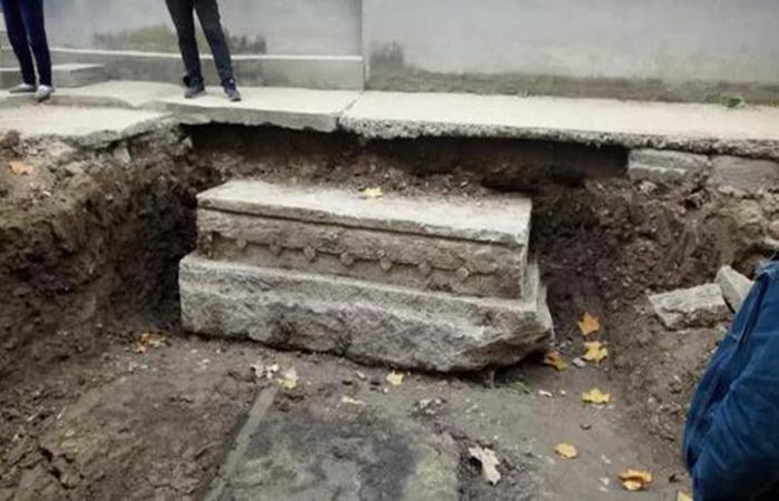 青州县前街发现重9吨的文物,或为古牌坊底座