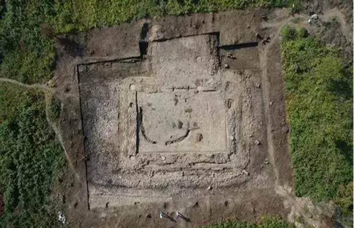 长白山千年前宝马城遗址显露真容