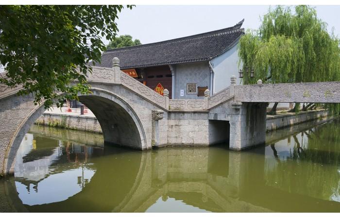 上海市营业性演出场所和营业性电影放映场所管理暂行办法