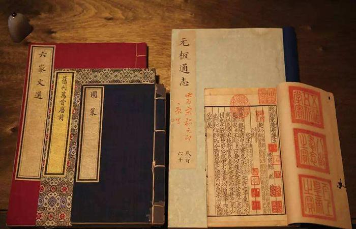 """从""""皇家""""到""""公家"""":""""天禄琳琅""""藏书的时代印迹"""