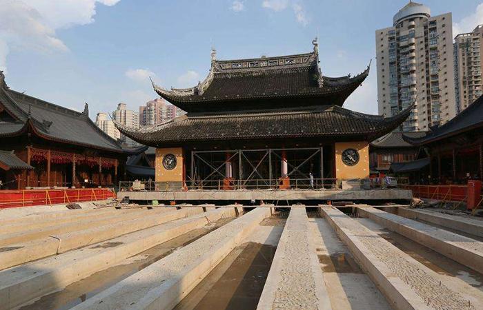 上海百年玉佛禅寺大雄宝殿平移顶升圆满落成