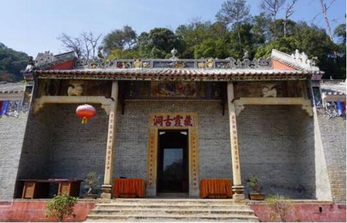 百年藏霞古洞新春展新貌 为广东最大的区域性古建筑群之一