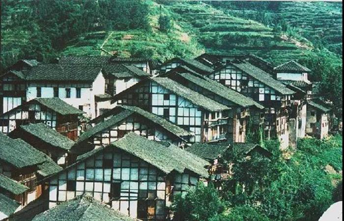中国古建筑瓦房屋顶,美到窒息!