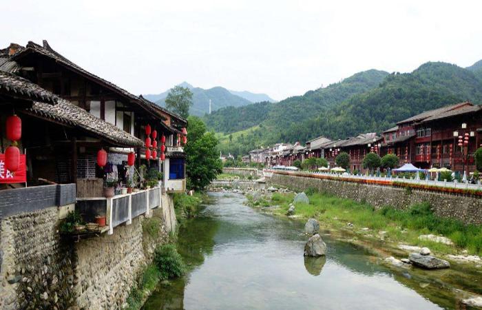 如何规划构建乡村旅游养生产业?