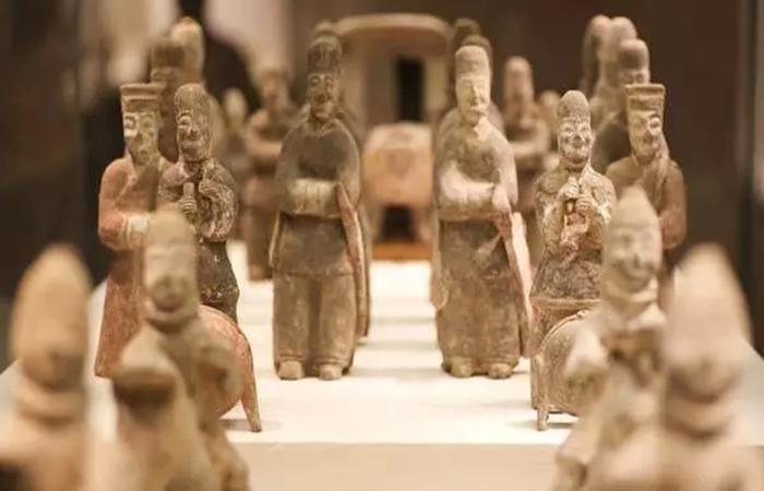 【天津】海关向文物局移交罚没文物974 件