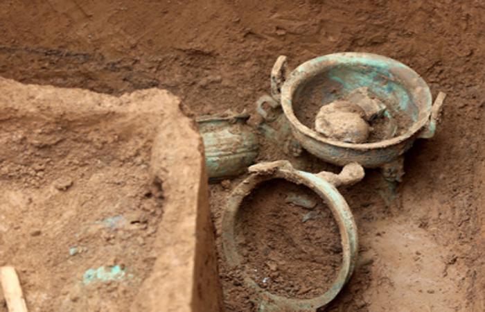 在义马发现春秋贵族墓群 出土了大量陶玉等文物