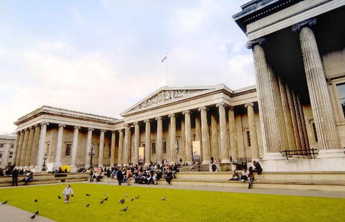 终于有人跟故宫文创抢生意了,大英博物馆开始卖文创了!