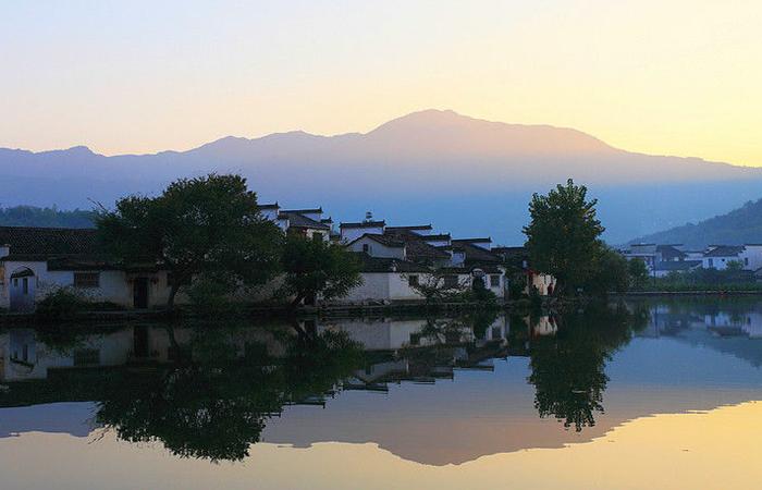 尹山湖停车场景观绿化工程
