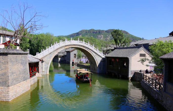 朱庄公路节点景观绿化及标志标线工程