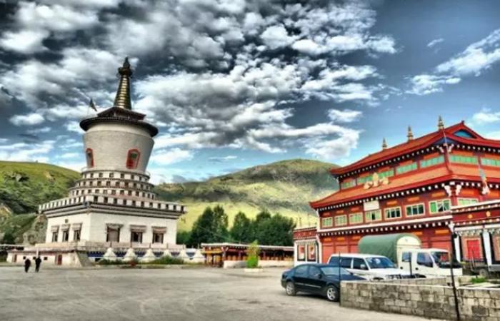 藏式民居——中国传统建筑艺术的宝库