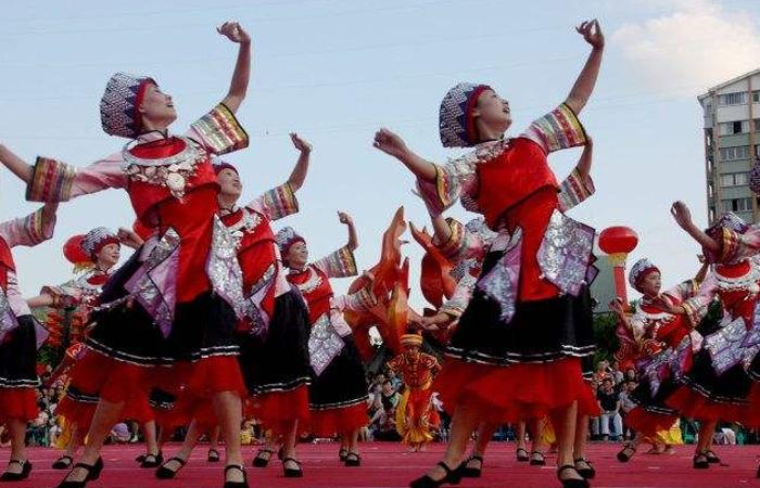【非遗传承】土家族古老的传统舞蹈——摆手舞