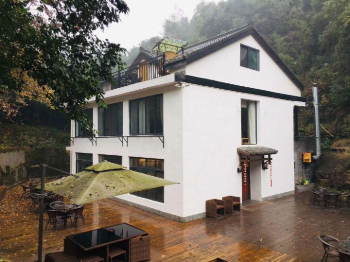 西湖景區附近三層別墅出租,適合做民宿