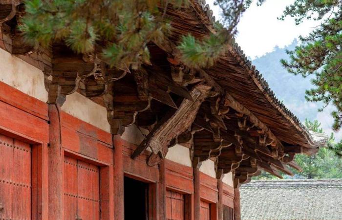 中国古建筑中斗栱构造及种类