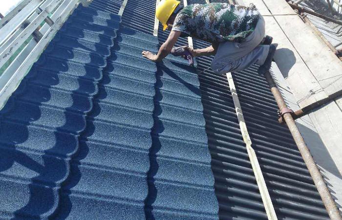 彩石金属瓦——新型高级屋面材料