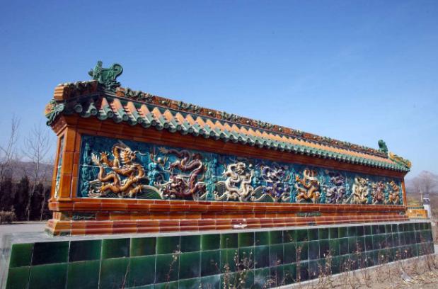 彩色琉璃九龙壁