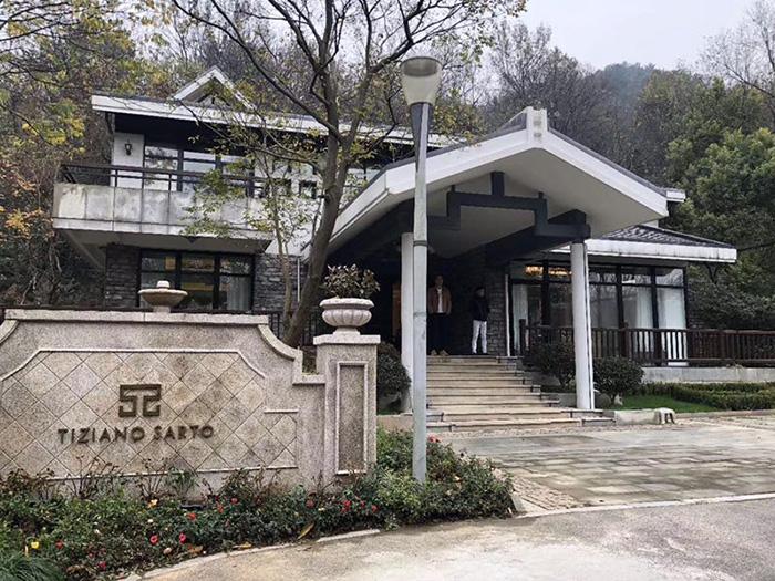 西湖景区独栋别墅出租,豪华装修拎包入住,适合办公、会所、住家