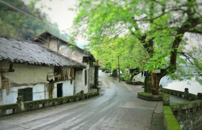 五通桥古镇:盐业文化、山水城市及多元建筑