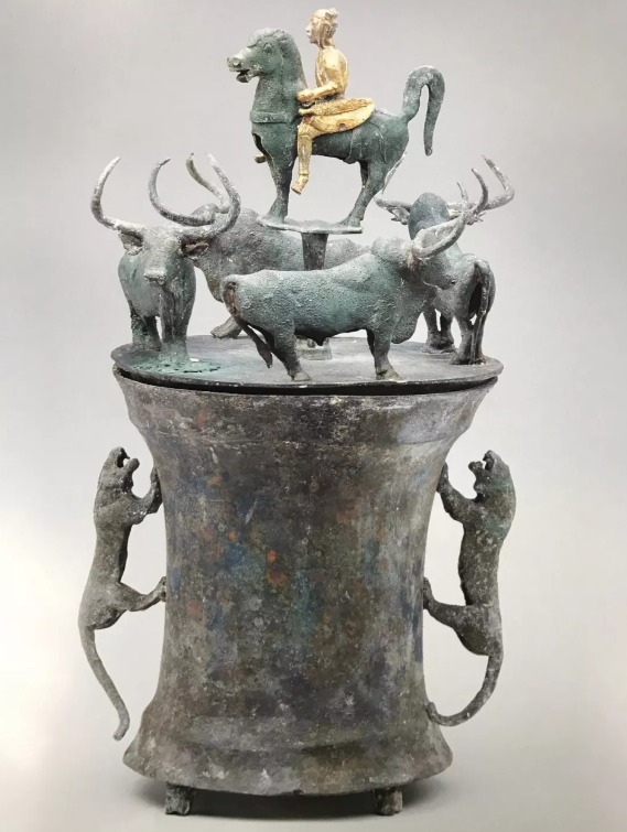 国家宝藏之《四牛鎏金骑士铜贮贝器》