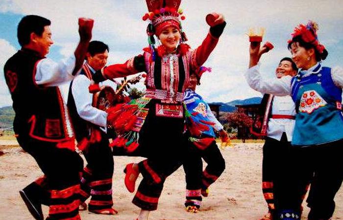 【非遗传承】彝族传统民族舞蹈——彝族烟盒舞