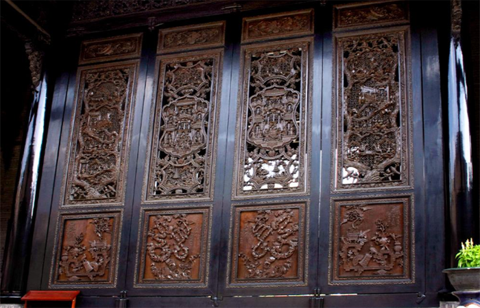 古代建筑中木门窗装饰的内涵与意义