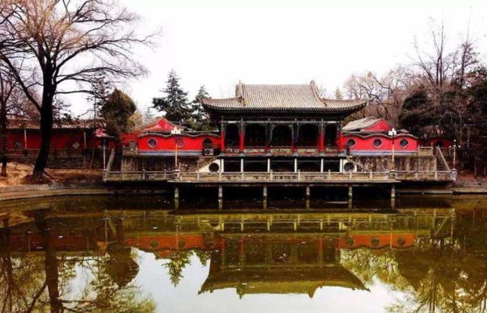 """江南式古建园林""""塞上明珠""""之称的临夏红园"""