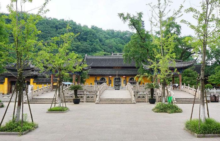 江苏镇江定慧寺:在佛教禅寺庙中有着显赫地位