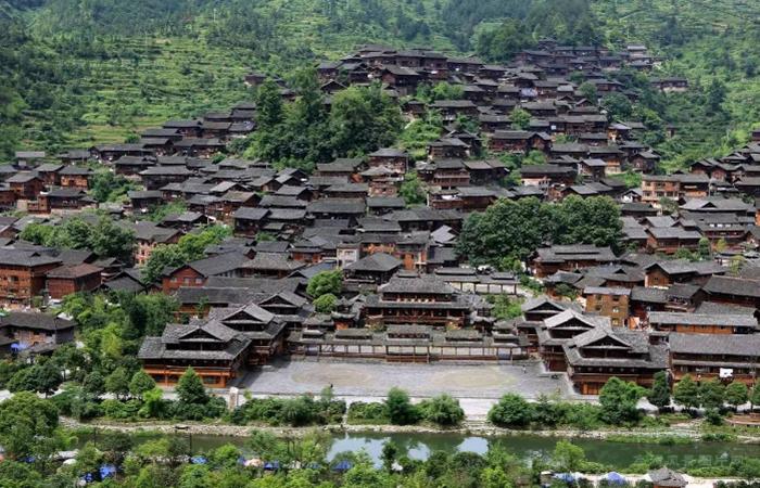 中国建筑文化:少数民族传统民居建筑的传承与创新