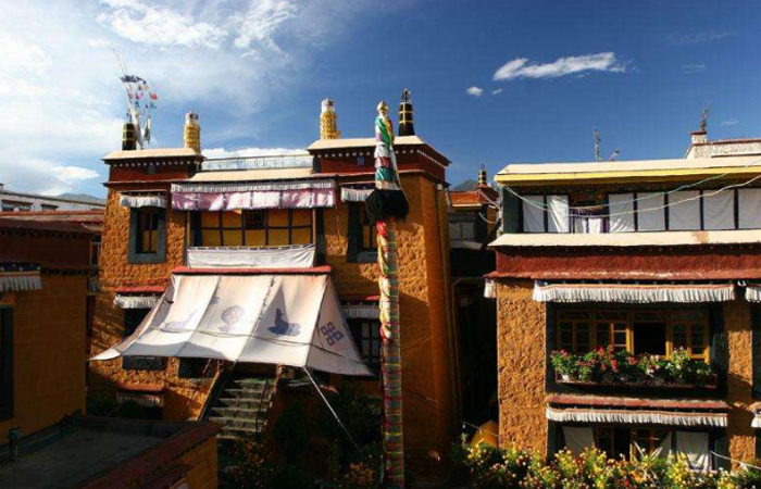 中国建筑藏传佛教格鲁派尼姑寺庙——拉萨仓姑寺