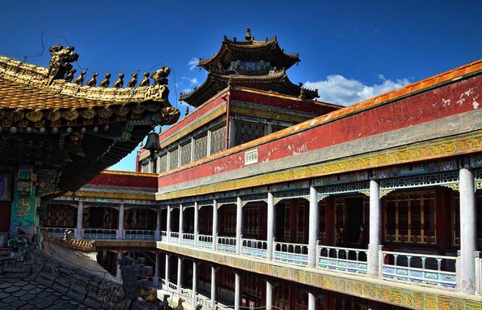 清代皇家寺庙建筑:汉族与藏族建筑艺术的融合