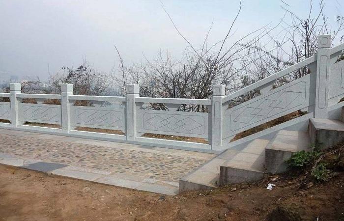 花岗岩河道石栏杆价格怎么算?