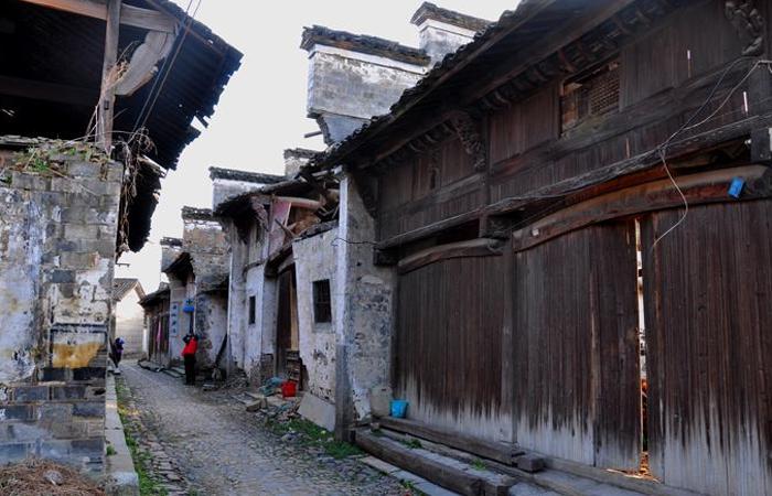 还有多少古建筑能让你们肆无忌惮的破坏?