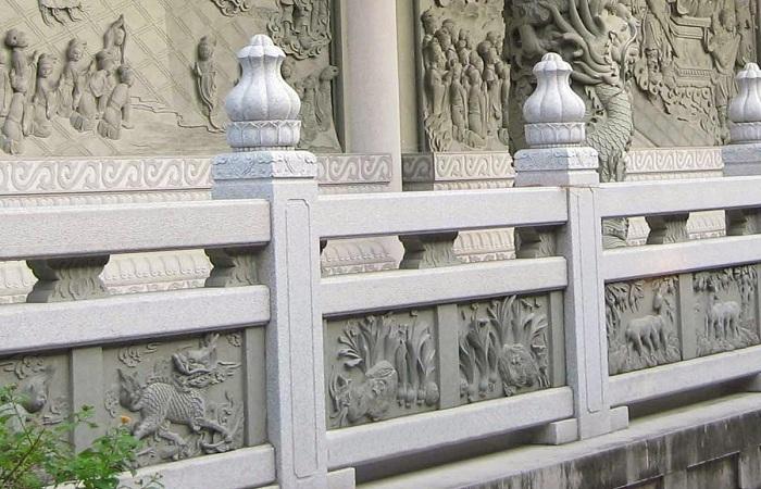 石雕栏杆的应用与安装技巧
