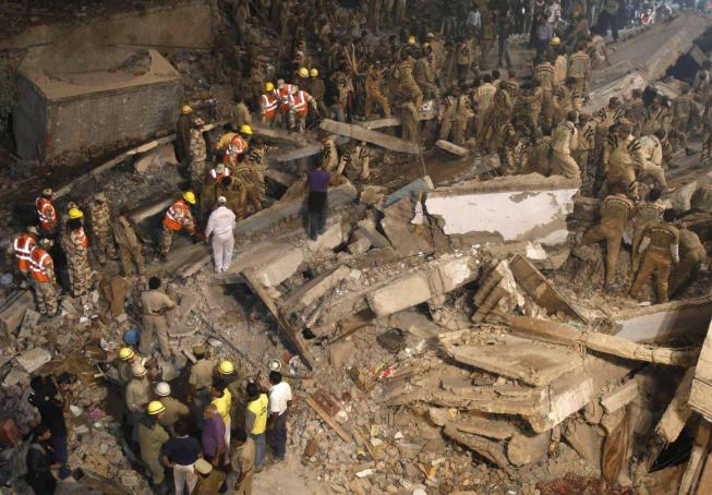 印度新德里大楼坍塌事故
