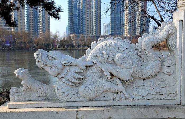 石雕栏杆常见的雕刻图案和寓意