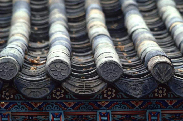中国古建筑构件中滴水与瓦当