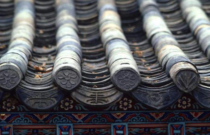 中国古建筑构件中滴水与瓦当,为何相差一千多年?