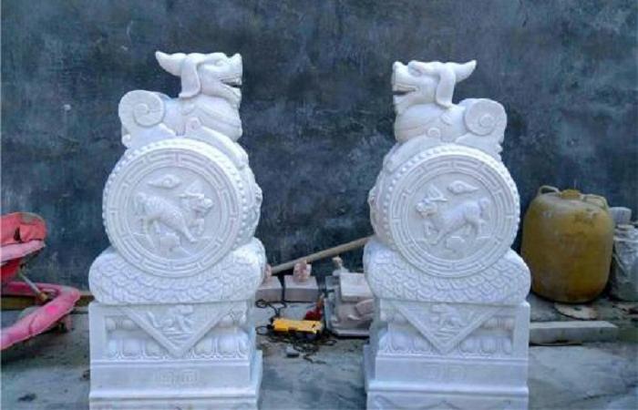 石雕石鼓与石雕门墩有什么区别?