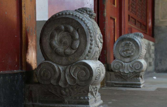 门枕石——中国传统民居大门的石质支撑构件