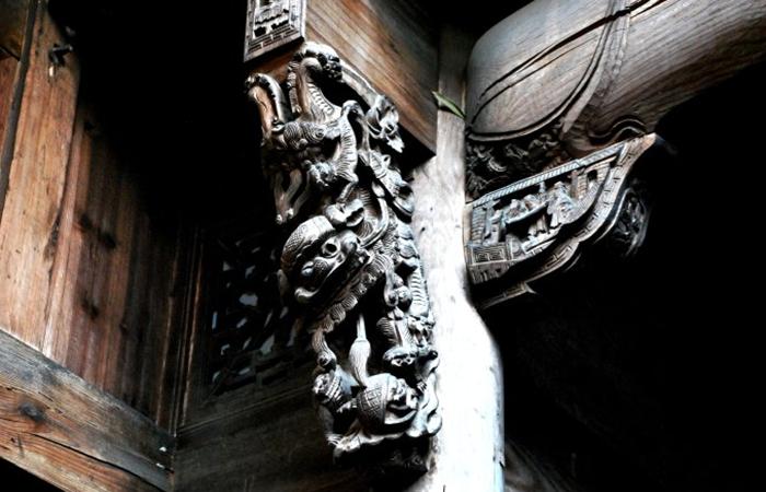 中国古建筑构件之美:雀替和牛腿,你分得清楚吗?