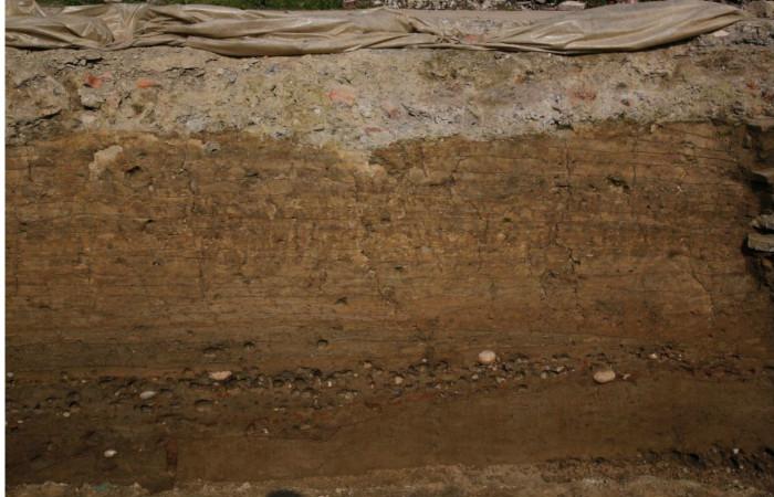 成都再现历史千年的唐代城墙