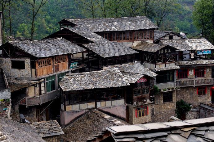 布依族建筑民居