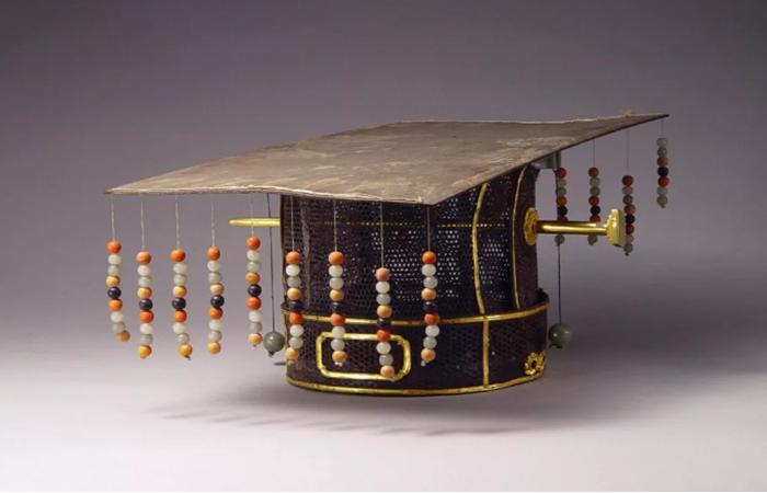 古人戴帽讲究多,古代皇帝的帽子都长什么样?