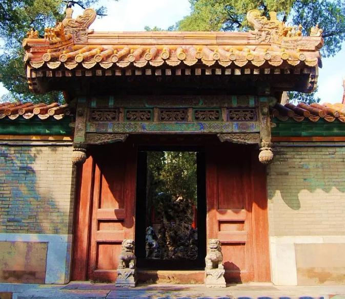 """中国古建筑中的""""门"""