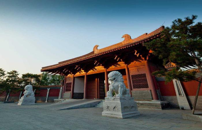 """中国古建筑中的""""门"""",由哪些构件组成?"""